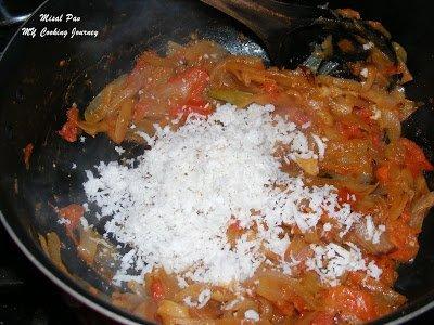 Add coconut to masala