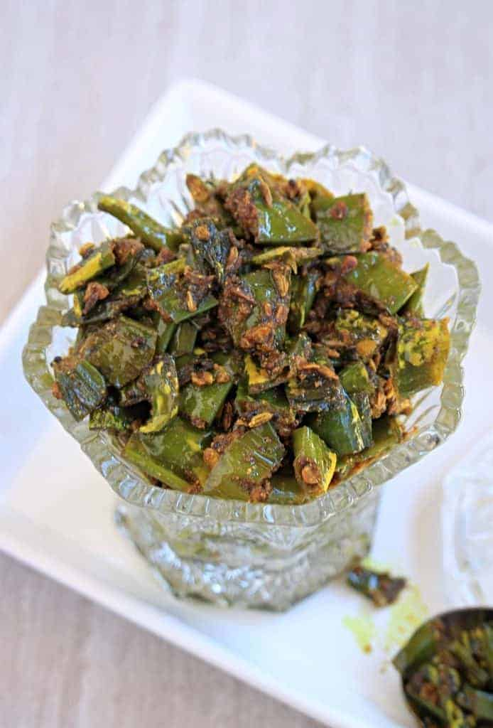 Hari mirch ki Tipore - Green chili pickle