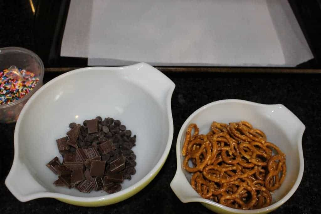 3 Ingredient Chocolate Covered Pretzels