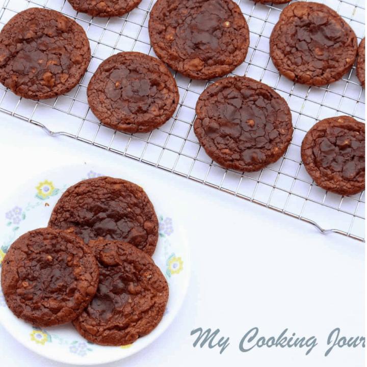 Flourless Chocolate Pecan Cookies in Wirerack
