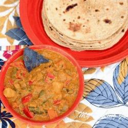 Nilgiris Kurma – Mixed Vegetable Kurma for Parotta in a bowl